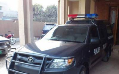 پولیس وین نالے میں گر گئی، 5 پولیس اہلکار اور 2 ملزمان زخمی