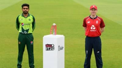 پہلا ٹی ٹونٹی،پاکستان،برطانیہ مدمقابل