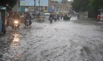 کراچی میں اتوار اور پیر کو بھی موسلا دھار بارش کا امکان