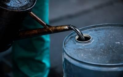 امریکا میں خام تیل کے نرخوں میں معمولی کمی