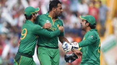 پاکستان اور انگلینڈ کے درمیان ٹی ٹونٹی سیریز کے تیسرے اور آخری میچ میں پاکستان کی جانب سے سکواڈ میں تین تبدیلیاں کی گئیں
