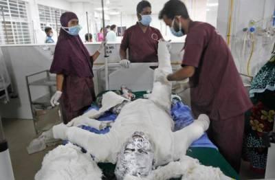 بنگلہ دیش، مسجد میں ائیرکنڈیشنر کی پائپ لائن پھٹنے سے 11 افراد جاں بحق، درجنوں زخمی