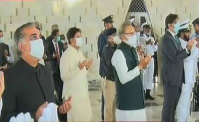 قائد اعظم کا یوم وفات،صدر مملکت،وزیر اعلیٰ اور گورنر سندھ کی مزار پر حاضری