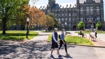 امریکہ میں یونیورسٹیاں اور کالج کھلنے کے بعد کورونا وائرس کے کیسز میں یومیہ 3 ہزار کا اضافہ