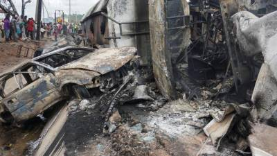 نائیجیریا'گیس ٹینکر میں دھماکا،9 بچوں سمیت 28 افراد ہلاک،متعدد زخمی