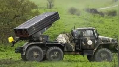 """آرمینیا اور آذر بائیجان کی فوجوں کے درمیان """" نگور نو کارا باخ """" کے مسئلے پر فوجی جھڑپیں شروع ہو گئیں"""
