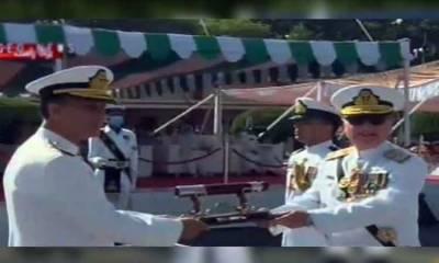 ایڈمرل امجد خان نیازی نے پاک بحریہ کی کمان سنبھال لی