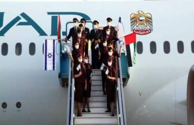 یو اے ای سے روانہ ہونے والے پہلے مسافر طیارے کی اسرائیل آمد
