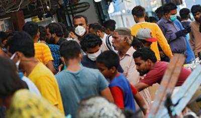 ملک میں کورونا پھر تیزی سے پھیلنے لگا، شہریوں نے ایس او پیز ہوا میں اڑا دئیے