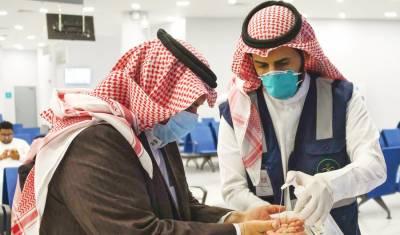 سعودی عرب: ماسک نہ پہننے والے سینکڑوں افراد کے خلاف کارروائیاں