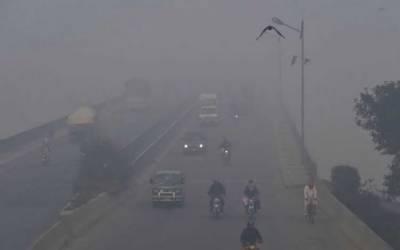 لاہور : اسموگ کے خلاف گاڑیوں پر 3 لاکھ 75 ہزار جرمانہ، فیکٹریوں پر کریک ڈاؤن