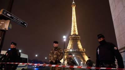 فرانس :ایفل ٹاور کے قریب بم کی اطلاع