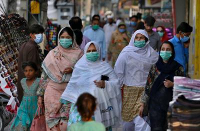 پاکستان میں کورونا کی دوسری لہر، آج سےعوامی مقامات پرماسک پہننا لازم ہوگا