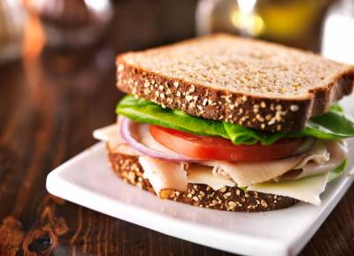 دنیا بھر میں آج سینڈوچ ڈے منایا جارہا ہے