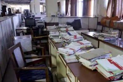 کراچی : کورونا کی دوسری لہر : سرکاری دفاتر کیلئے حکمنامہ جاری