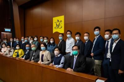 ہانگ کانگ: جمہوریت کی حمایت میں پوری اپوزیشن مستعفی