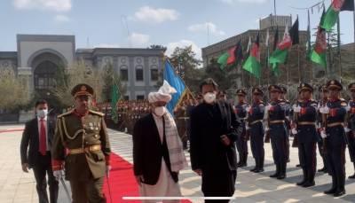 وزیراعظم عمران خان کا افغان صدارتی محل آمد پر شاندار استقبال، گارڈ آف آنر پیش