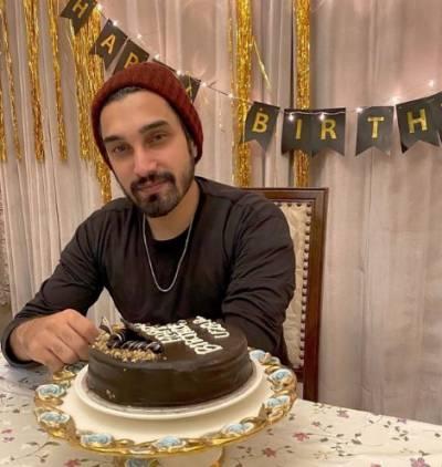 گلوکار عزیر جسوال نے 14 سال کی عمر میں اپنے کیریئر کا آغاز کیا