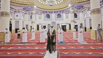 یو اے ای؛ مساجد میں نمازِ جمعہ کی ادائیگی کی اجازت