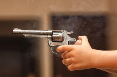 امریکہ ،4 سالہ بچے نے بڑے بھائی کو گولی مار دی، بڑا بھائی زخمی