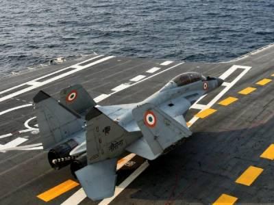 بھارتی فضائیہ کا مگ 29 لڑاکا طیارہ سمندر میں گرکر تباہ