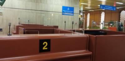 کروناسے بچاﺅ،کراچی ایئرپورٹ پرایف آئی اے کاﺅنٹرز پر شیشے نصب کردیئے گئے