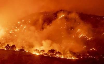 کیلی فورنیا کے جنگلات میں پھر سے آگ بھڑک اٹھی