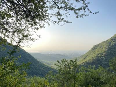 اسلام آباد سمیت ملک کے بیشتر علاقوں میں موسم آج بھی سرد اور خشک رہے گا:محکمہ موسمیات