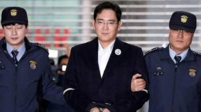 سام سنگ کے وارث کو کرپشن کے الزام میں ڈھائی سال کی قید