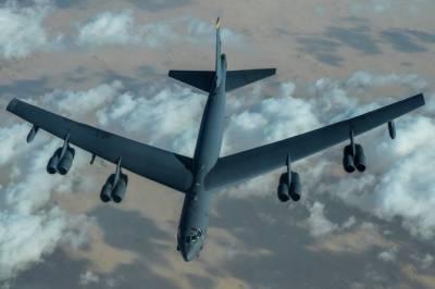 امریکی بی 52 بمبار طیاروں کی مشرق وسطی کے اوپر پروازیں