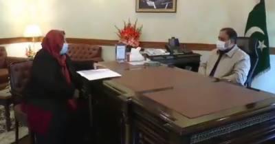 وزیراعلیٰ عثمان بزدارسے صوبائی وزیر صحت ڈاکٹر یاسمین راشد کی ملاقات، کورونا کی دوسری لہر سے نمٹنے کیلئے کئے گئے اقدامات پر تبادلہ خیال