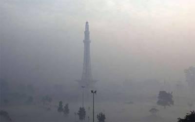 پنجاب: میدانی علاقوں میں دھند بڑھ گئی، موٹروے کئی مقامات سے ٹریفک کیلئے بند