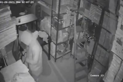 بھارت میں کورونا کٹ پہن کرسنارکی دکان پر ڈکیتی کرنیوالا ملزم گرفتار