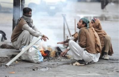 کراچی: کوئٹہ سے آنے والے نئے سسٹم نے شہرقائد میں سردی کی شدت بڑھا دی