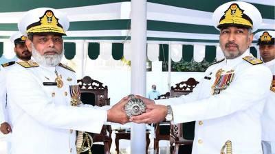 رئیر ایڈمرل عابد حمید نے پاکستان نیوی ڈاکیارڈ میں منعقدہ تبدیلی کمانڈ کی پروقار تقریب میں پاک بحریہ کی لاجسٹک کمانڈ کا عہدہ سنبھالا