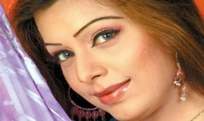 سرگودھا کے ایک نجی میڈیکل کالج نے اداکارہ و گلوکارہ میگھا کو بھی داخلہ دیدیا