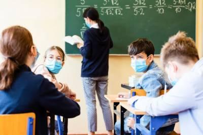 برطانیہ،کورونا وائرس اموات اور مریضوں کی تعداد میں مسلسل اضافہ کے باوجود مارچ سے اسکول کھولنے کا اعلان