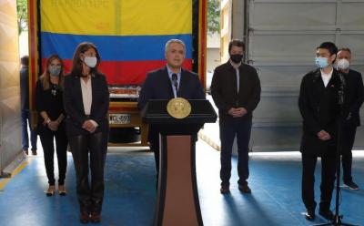 کولمبیا کے صدر کا چینی سائنو ویک ویکسینز کی پہلی کھیپ کا خیرمقدم