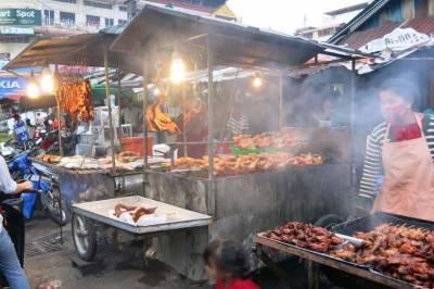 گلی کے کھانوں کے بغیرزندگی کاتصورنہیں کیاجاسکتا،کمبوڈیامیں تھوڑاذائقہ چکھناچاہتے ہیں؟
