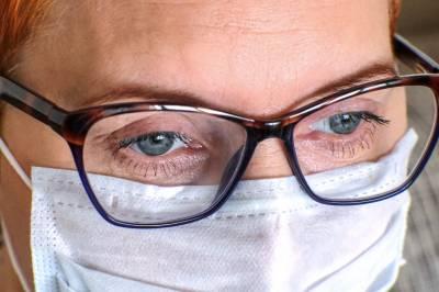 نظر کے چشمے اور کرونا وائرس کا کیا تعلق ہے؟ تحقیق میں اہم انکشاف