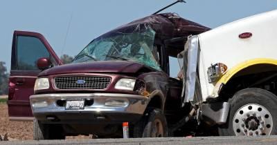 کیلیفورنیا میں ایس یو وی گاڑی اور ٹرک کے تصادم میں 13افراد ہلاک، متعدد زخمی