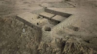 سعودی عرب کے العرفا پہاڑ پر قدیم ترین محل کے کھنڈر