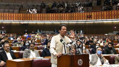 عمران خان کا نواز شریف کے لیے شیریں مزاری کے آنسوؤں کا تذکرہ