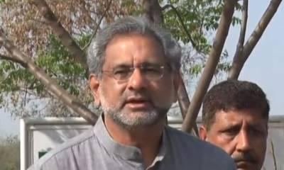 وزیر اعظم کے خود اعتماد کا ووٹ لینے کی آئین میں جگہ نہیں: شاہد خاقان