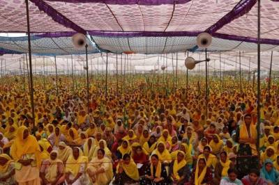 بھارت، نئے قوانین کے خلاف کسانوں کے احتجاج میں ہزاروں خواتین بھی شامل
