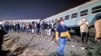 مصر، ٹرین پٹری سے اتر گئی 15،افراد زخمی