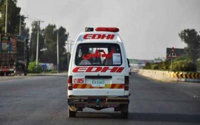 کراچی سپرہائی وے ٹریلر کی کی ٹکر سے موٹر سائیکل سوار 3 افراد جاں بحق