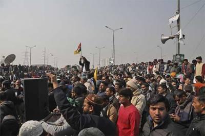 بھارتی کسانوں متنازع قوانین کیخلاف ریلیاں، 70 مظاہرین گرفتار