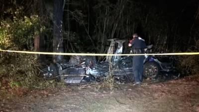 ٹیسلا کی بغیر ڈرائیور کے چلنے والی کار کو حادثہ، 2 افراد ہلاک