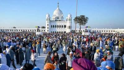 بیساکھی میلہ میں شرکت کیلئے بھارت سے آنے والےسکھ یاتری ایک روزہ دورہ پر کرتار پورہ پہنچ گئے